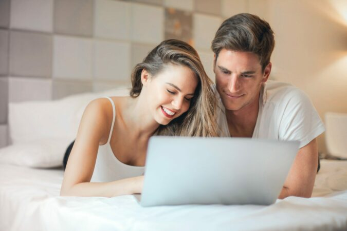 buying an engagement ring online