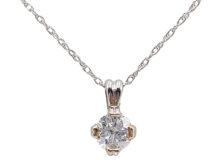 women's gold pendant necklace